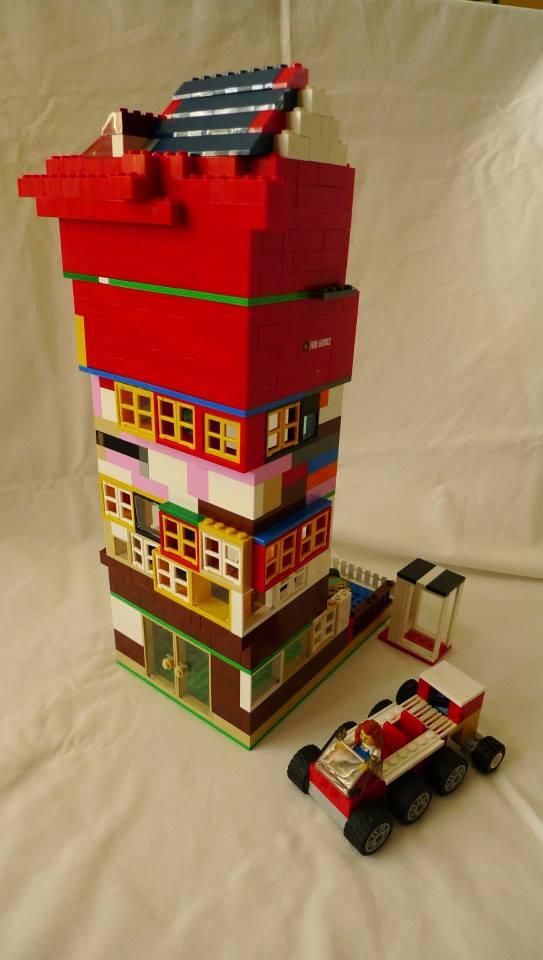 Museum. Advanced Build. 668 pieces.